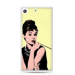Etui na telefon Xperia M5 Audrey Hepburn z papierosem